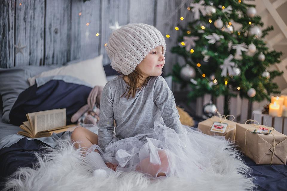 Pościel na prezent świąteczny – jaki kolor i wzór wybrać?